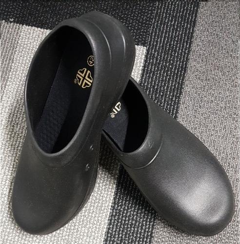 zapatos para médicos y enfermeros antideslizantes