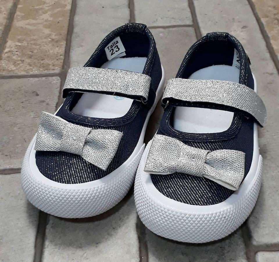 62a6228b379 zapatos para niñas marca melosos color brillantes (23 a 26). Cargando zoom.