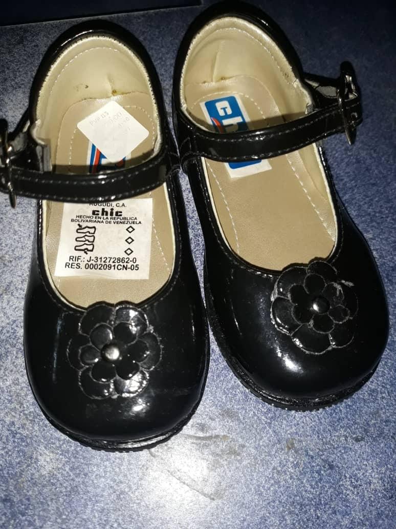 f8408ea2 Zapatos Para Niñas Talla 20 - Bs. 550,00 en Mercado Libre