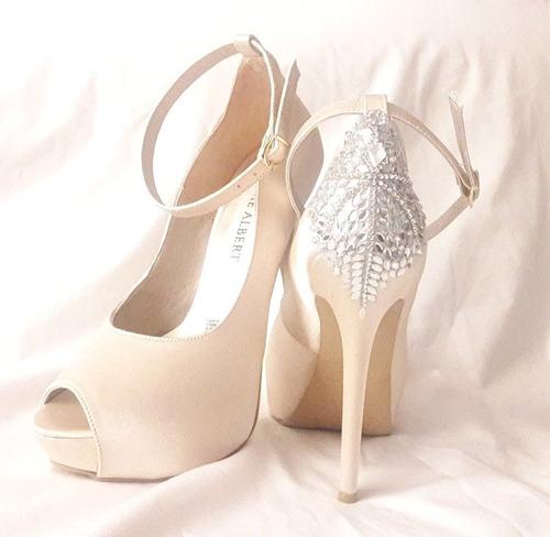 zapatos personalizados de novia con incrustaciones d cristal