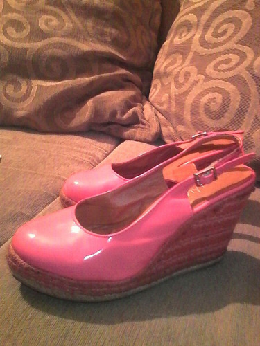 zapatos plataforma patentes color coral
