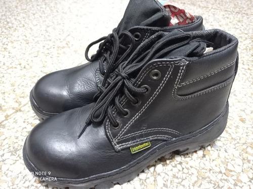zapatos punta de hierro