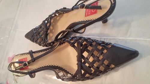 zapatos punta stilettos eco cuero negro oscar de la renta