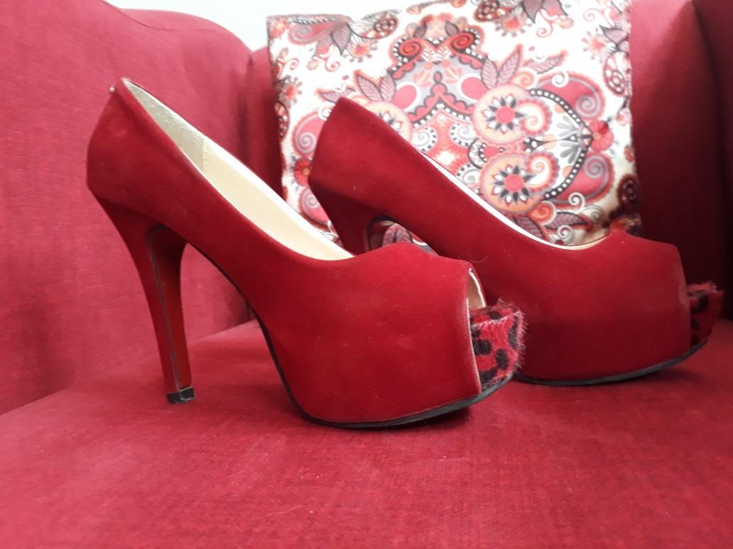 c0ce55c2 zapatos rojos gamuzados con punta de animal print, importado. Cargando zoom.