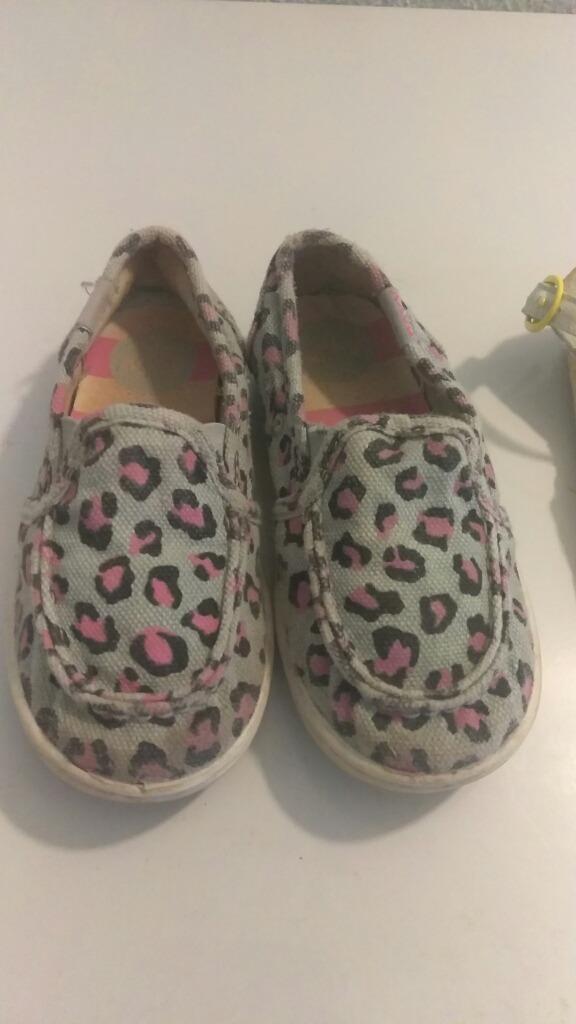 bbe0599d6c8 zapatos roxy niña talla 24. Cargando zoom.