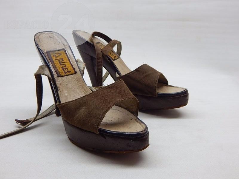 Cargando antiguas zapatos años para 38 70 zoom talle sandalias dama usadas  aaz54qx7 c260239e823