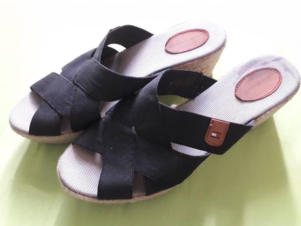 5981c5a19b5 zapatos sandalias tommy hilfiger originales de damas. usados. Cargando zoom.