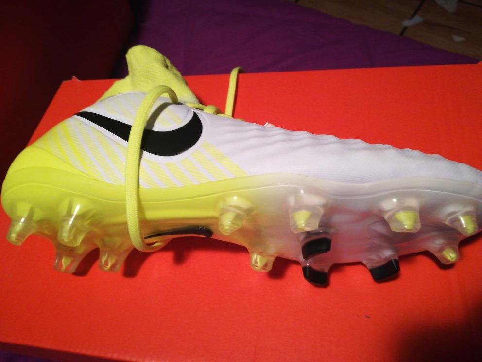 745a86c82b88f ... discount code for zapatos soccer magista nike blancos amarillo talla  24. cargando zoom. f5360