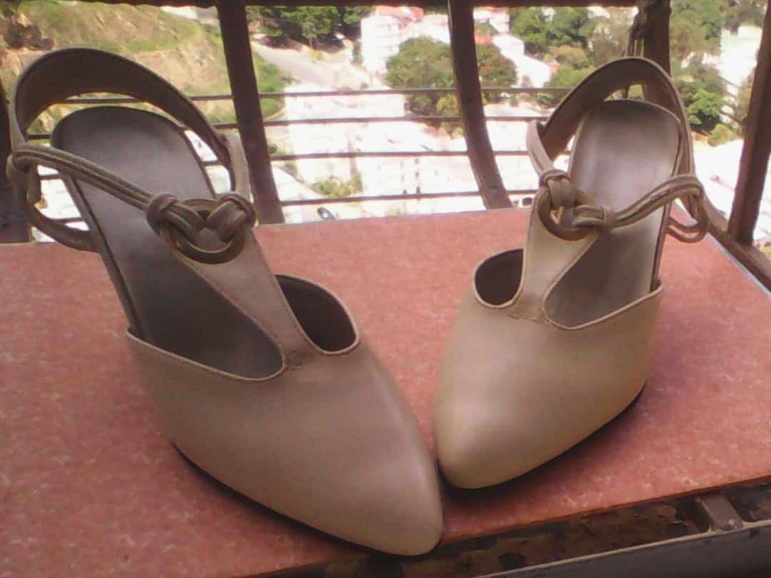 5c8718e24f1e2 zapatos tacones marca gargano dama talla 35. Cargando zoom.