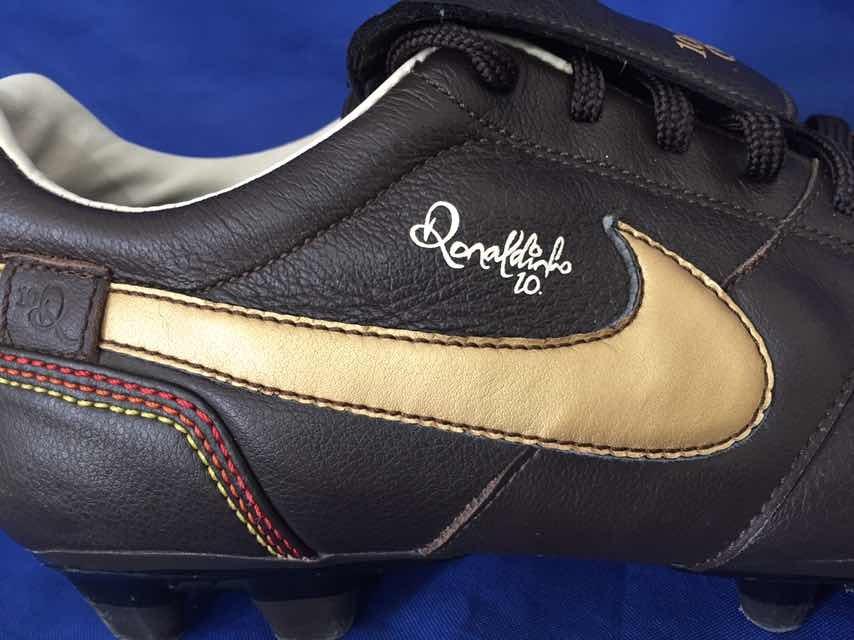 3144069162aa6 zapatos tacos nike r10 ronaldinho no ronaldo messi griezmann. Cargando zoom.