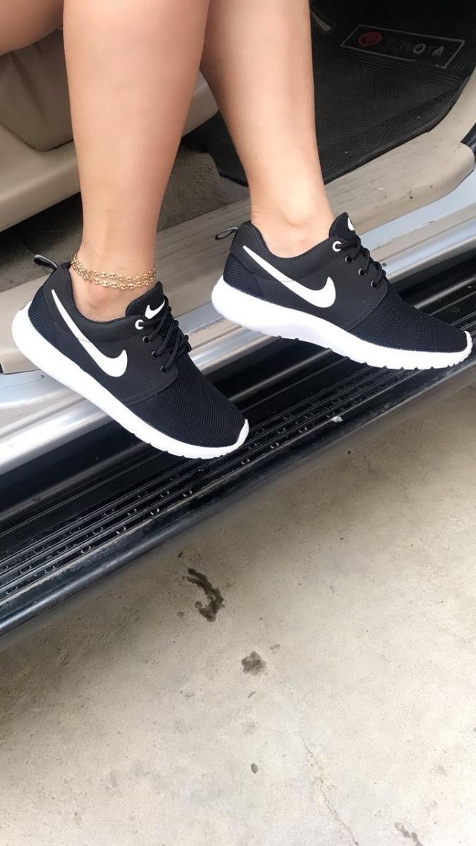 9d074286 Zapatos / Tenis Deportivos Para Mujer Nike Roshe - $ 80.000 en ...