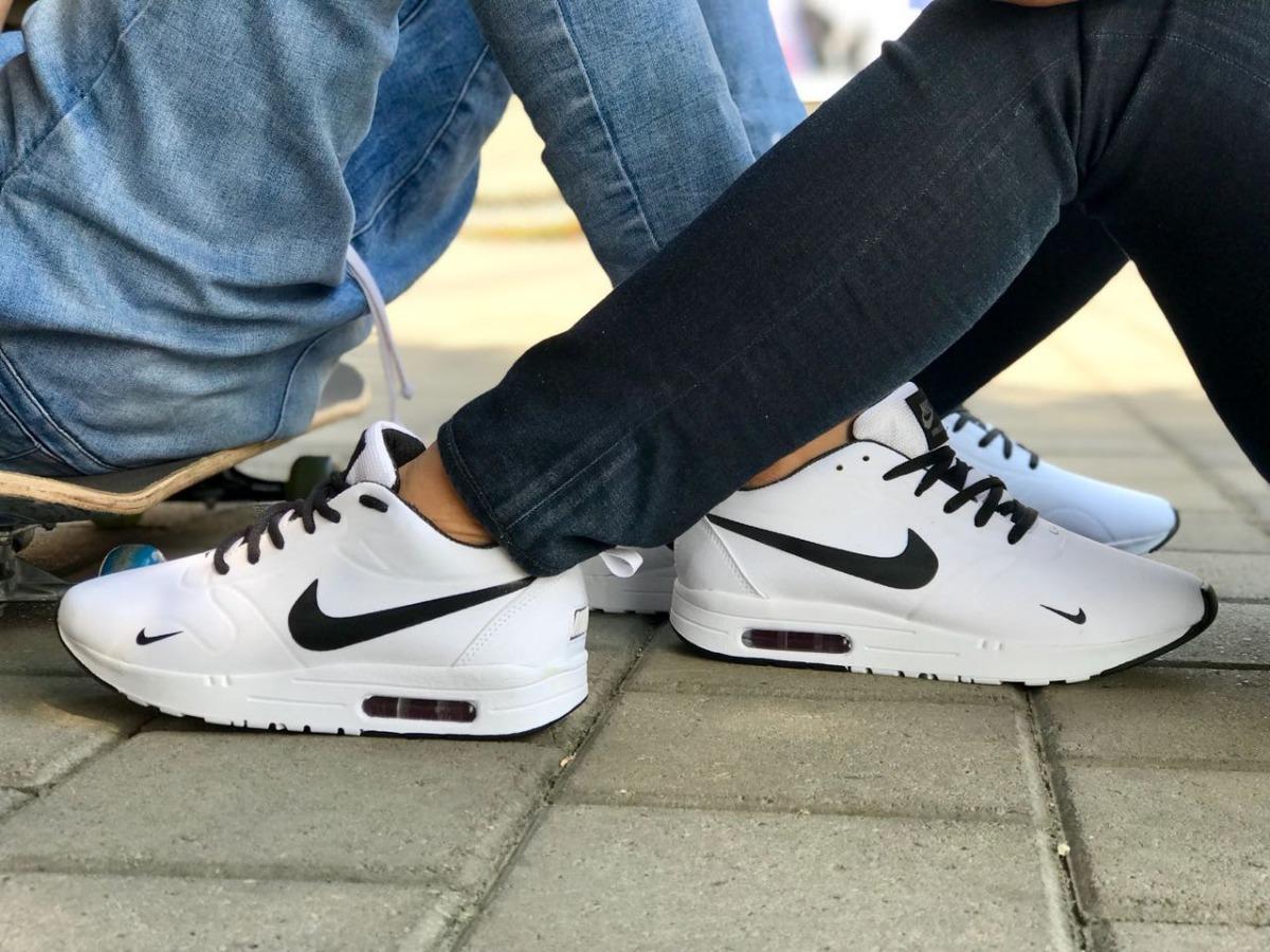 Zapatos Tenis Para Hombre Y Mujer Nike Tavas