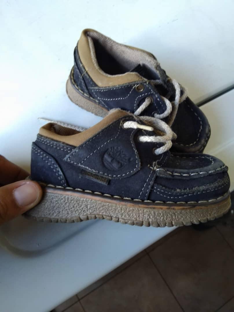 985d696bed1b6 zapatos timberland para niños talla 23 usado. Cargando zoom.