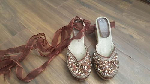 zapatos tipo alpargata con listones y pedrería t. 24