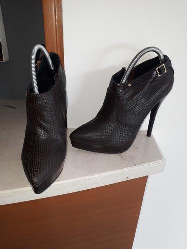 zapatos tipo burberry nuevos