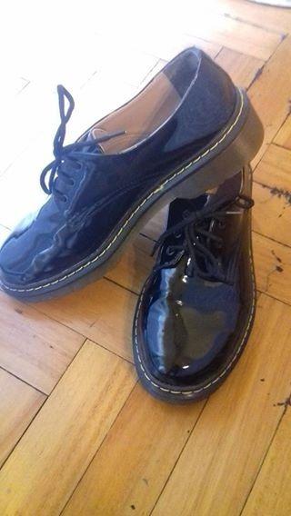 60283683e58 Zapatos Tipo Dr. Martens -   900