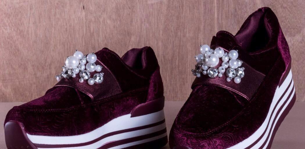 70e8a005 zapatos tipo sneakers de plataforma con perlas y terciopelo. Cargando zoom.
