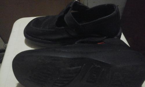 zapatos usados kickers para niñas talla 29