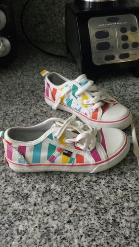 zapatos usados pero en excelente condiciones de niña
