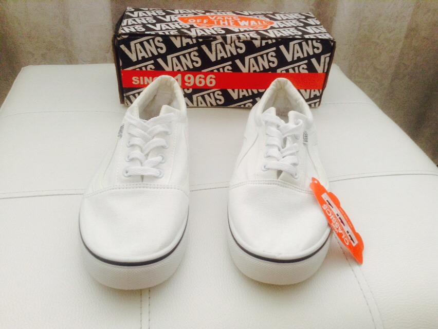 zapatos vans blancos