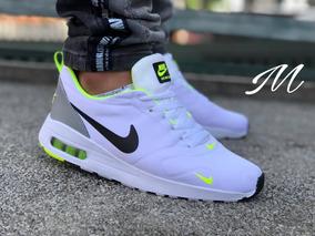 a5c5e4020 Zapatos De Futbol De Salon Pumas - Zapatos Nike de Hombre en Mercado ...