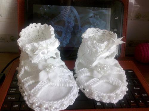 zapatos y pantuflas tejidas a crochet para bebes de 0 a 13