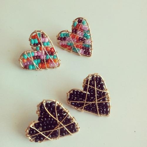 zarcillos de formas variadas tipo atrapasueños en alambrismo