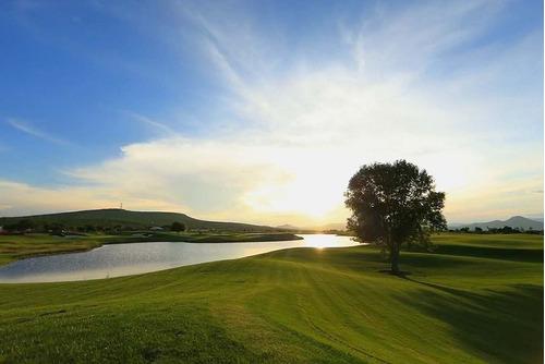 zibatá- yavia, terreno de 510m2 colindante al campo de golf.
