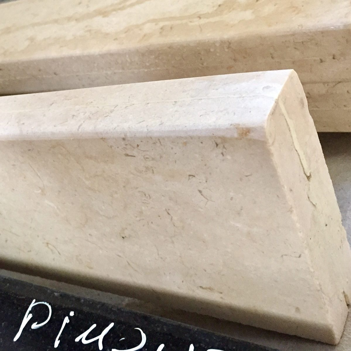 Zocalo doble ducha granito marmol 10 cm de altura 820 for Marmol granito precios