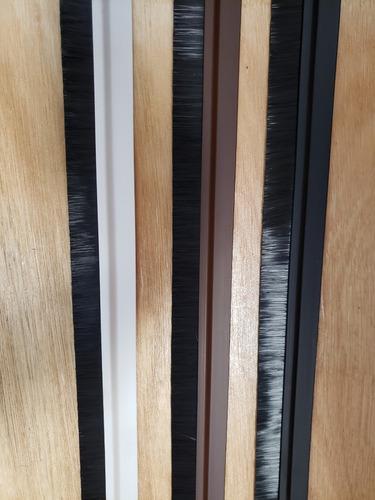 zocalos para puertas cepillo flex adhesivo marron