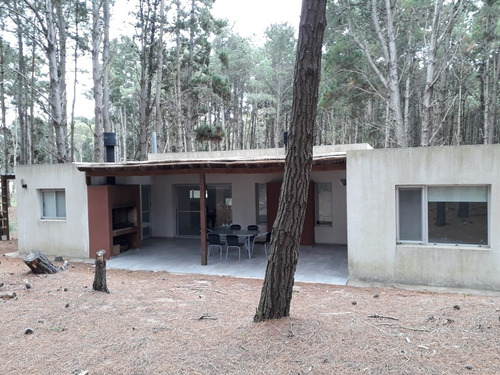 zona bosques, todo arbolado, linda casa en una planta