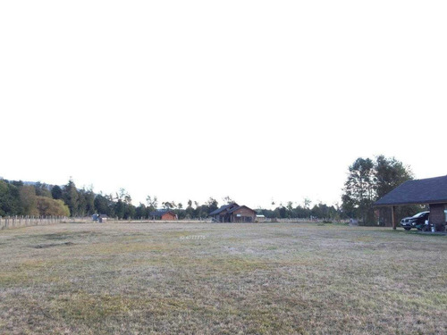 zonasur.cl propiedades; arrienda año corrido, casa amoblada conquil 5 km de villarrica, camino pavimentado