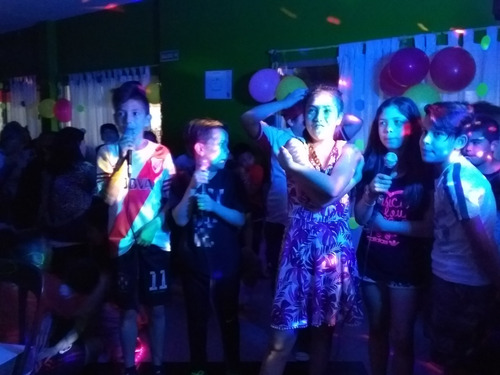 zoom, animaciones, mini disco teen , dj, karaoke, shows.