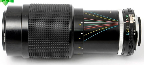 zoom nikon 80-200 mm f / 8  reflex-nikkor