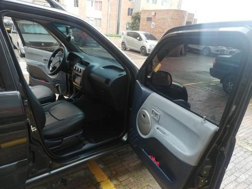 zotye nomada modelo 2009, color negro brillante