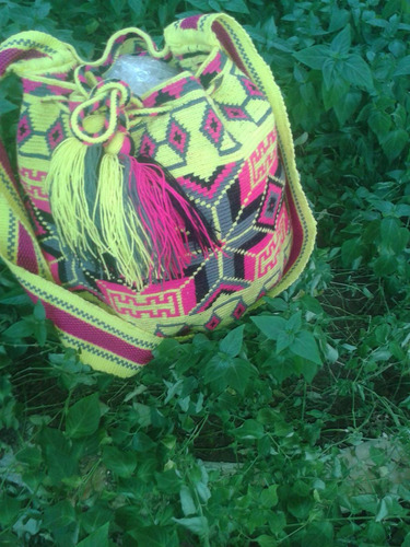 zuzu (mochilas) , clunch 100% originales wayuu